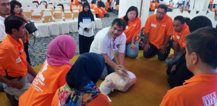Pelatihan Basic Life Support (BLS) untuk orang awam